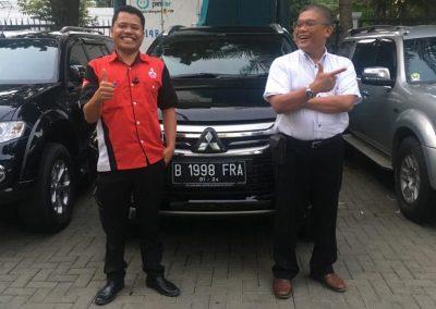 foto serah terima mobil mitsubishi tangerang banten oleh Bahtiar sales executive (3)